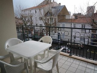 Comfortable 2 bedroom Les Sables-d'Olonne Apartment with Television - Les Sables-d'Olonne vacation rentals