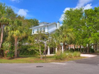 1616 Jones Avenue - Close to the Beach and Back River - Hot Tub - FREE WiFi - Tybee Island vacation rentals
