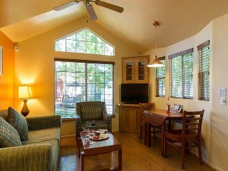 Comfy Cottages ON THE RIVER Downtown Napa Sleeps 4 - Napa vacation rentals