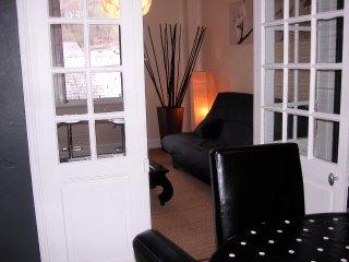 CHARMANT  T3 DE  70 m2   DANS MAISON  DE CARACTERE - Luz-Saint-Saveur vacation rentals