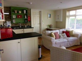 1 bed flat sleeps 2+2 Lyme Regis - Uplyme vacation rentals