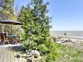 New! Cozy 2BR House in Oostburg on Lake Michigan! - Oostburg vacation rentals
