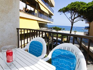 Beautiful Condo with A/C and Washing Machine - Cambrils vacation rentals