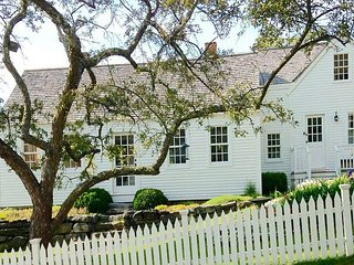 Historic Cape Cod with Harbor View, Featured in Coastal Living Magazine! - Boothbay Harbor vacation rentals