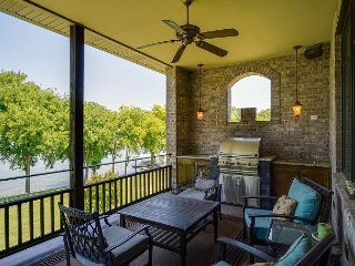 Enormous, Luxury Lakeside Home for 12 in Nashville - Old Hickory vacation rentals