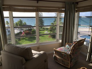 Affordable Oceanfront, 2BR, WiFi, AC, 3rd Floor. - Freeport vacation rentals