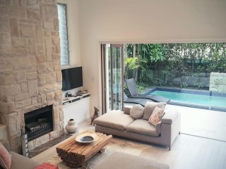 Luxury stylish family home in Manly - Fairlight vacation rentals