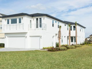 Official Reunion 12-Bedroom Superior Home with Home Theater, Game Room (LC561T) - Kissimmee vacation rentals