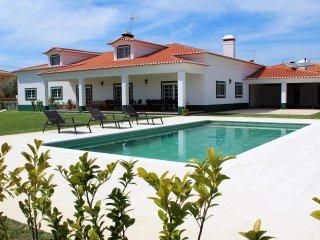 Casa dos Glorios (Conforme e privacidade). - Leiria vacation rentals