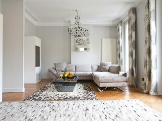 63. ELEGANT 2BR IN THE LATIN QUARTER WITH HUGE PRIVATE BALCONY - Paris vacation rentals