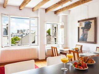 28. LOVELY 2BR IN SAINT GERMAIN DES PRES - ODEON AREA - WITH VIEW OF NOTRE DAME! - Paris vacation rentals
