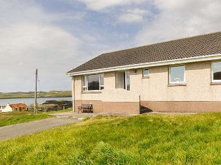 7 HABOST, super-king size, sleeps six, Pairc, Ref 947270 - Balallan vacation rentals