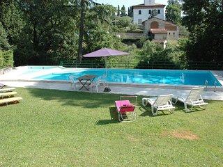 Villa Liber, 12 people, private pool. Close to Lucca town. SPECIAL PRICE ! - San Quirico di Moriano vacation rentals