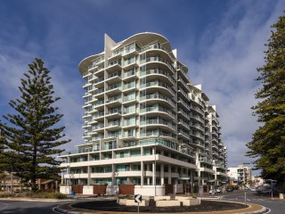 Unwind * Luxury Glenelg Apartments - Glenelg - Glenelg vacation rentals