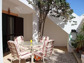 Excellent apartment ideal for families & couples - Lagos vacation rentals