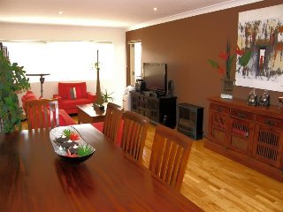 Luxury two bed apartment in the heart of Caringbah,South Sydney - Caringbah vacation rentals