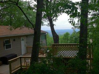 Rainbow View Cabin - ShenandoahValleyview & hottub - Front Royal vacation rentals