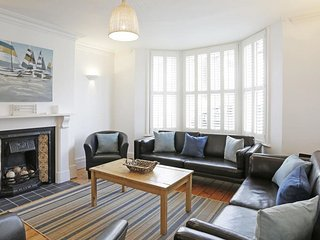 Tall Cottage - Spacious and modern accommodation in Southwold, by the sea - Southwold vacation rentals