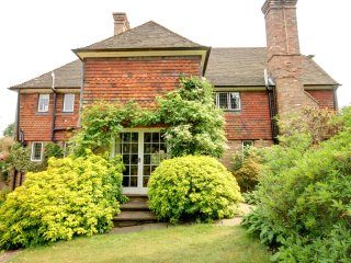 Old Keepers House - Spacious rural home, nicely furnished and perfectly located in Uckfield - Uckfield vacation rentals