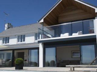 Garth - Luxury property with magnificent panoramic views of the sea - Saundersfoot vacation rentals