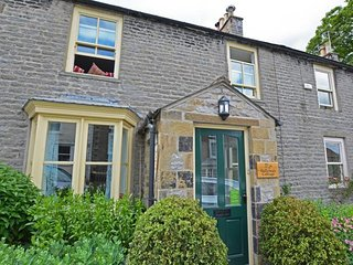 Gallowa's Cottage - Spacious and attractive holiday home in the heart of the lively town of Middleham - Leyburn vacation rentals