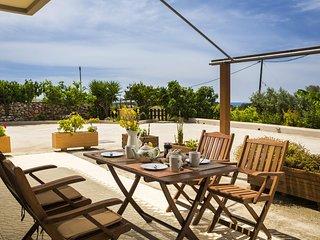 POLYMNIA II - GROUND FLOOR APARTMENT - Lassi vacation rentals