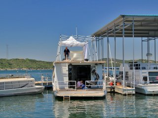New listing! Airstream houseboat Amazing Lake Travis view - Volente vacation rentals