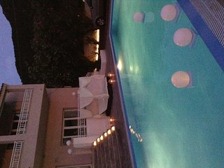 Lovely Villa with Deck and Housekeeping Included - Paramonas vacation rentals