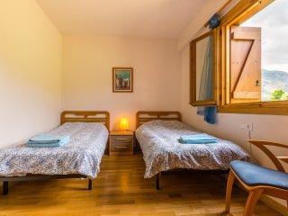 Nice 2 bedroom Apartment in La Plana de Mont-Ros - La Plana de Mont-Ros vacation rentals