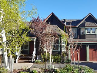 Riverside Townhouse in Downtown Truckee - Truckee vacation rentals