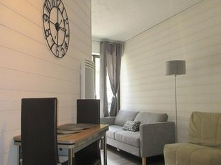 Nice Studio with Television and Washing Machine - Bareges vacation rentals