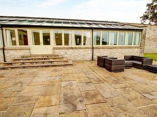 HIGH SPY COTTAGE, sleeps six, en-suite, private patio, pet friendly, Victorian - Litton Mill vacation rentals