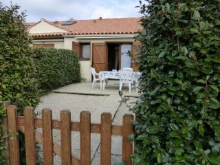 Nice House with Internet Access and Television - Brem Sur Mer vacation rentals