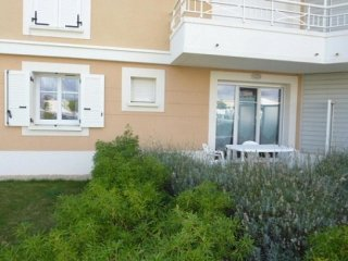 Romantic Condo with Television and Microwave - Saint Gilles Croix de Vie vacation rentals