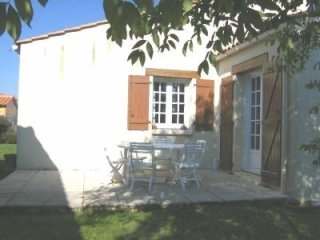 Nice House with Television and Microwave - Givrand vacation rentals