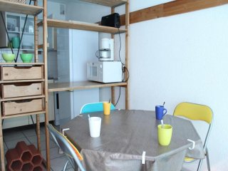Nice 2 bedroom Gruissan Condo with Television - Gruissan vacation rentals