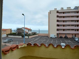 Comfortable Condo with Television and Balcony - Saint-Cyprien vacation rentals