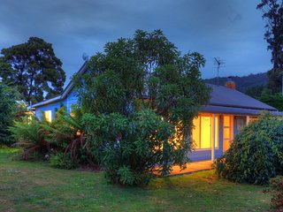 Castaway Cottage...relaxed haven by the sea - Dover vacation rentals