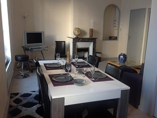 Nice Condo with Television and Microwave - Meung-sur-Loire vacation rentals