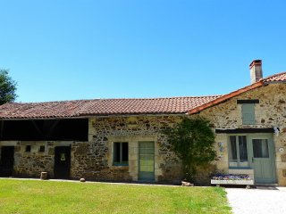 French Cottage on Charente lake (Jasmine cottage) - Lesignac-Durand vacation rentals
