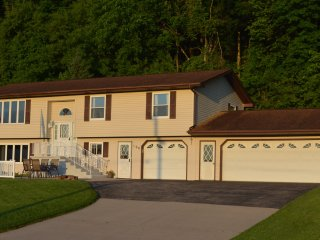 Great River Outdoors, LLC -Private backyard, campfires, and scenic wetlands - Guttenberg vacation rentals