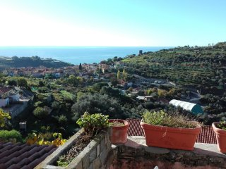 3 bedroom House with Internet Access in Pompeiana - Pompeiana vacation rentals