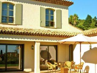 Villa Fleur Rouge - perfect location, Modern villa with private swimming pool, near the beach. - La Croix-Valmer vacation rentals