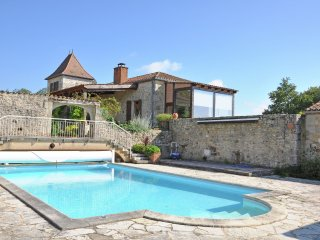 Mas Vignes - Wine chateau with private pool, unique view and 16-ha private park with animals - Floressas vacation rentals