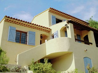 Villa Beach - Villa with private pool within walking distance to beach and restaurants - Les Issambres vacation rentals
