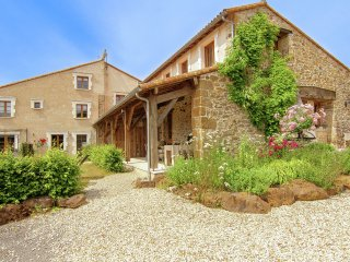 Domaine de Bellac - Three beautiful cottages with shared courtyard in an area with heated pool. - Roussines vacation rentals