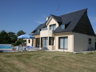 Le Grand Large - Breton villa with a private swimming pool, a garden and views of the sea and the beach - Concarneau vacation rentals