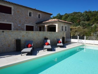 Villa des 4 vents  - Air-conditioned villa with fenced pool and guest house in a beautiful setting - Saint-Ambroix vacation rentals
