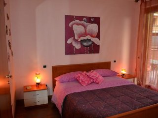 NICE FLAT 5minutes FROM ASSISI - ROCCA BLU - Bastia Umbra vacation rentals