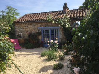 Nice Gite with Internet Access and Wireless Internet - Montcabrier vacation rentals